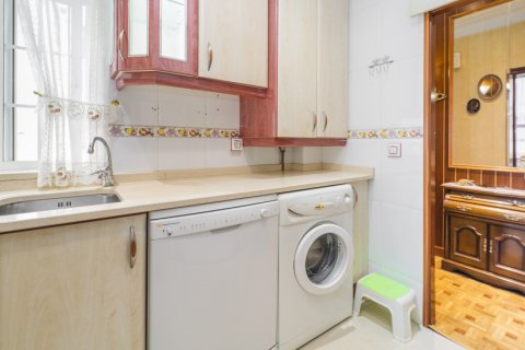 Apartment for sale in Madrid, Spain, 3 bedrooms, 78.00m2, No. 2688 – photo 12