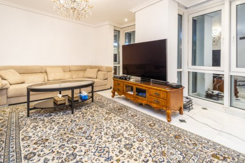 Duplex for sale in Madrid, Spain, 3 bedrooms, 152.00m2, No. 2445 – photo 4