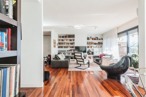Apartment for rent in Madrid, Spain, 4 bedrooms, 254.00m2, No. 2562 – photo 7