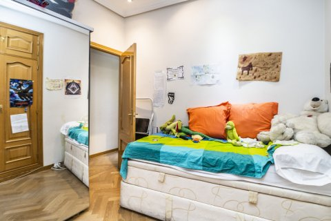 Apartment for sale in Madrid, Spain, 3 bedrooms, 132.00m2, No. 1868 – photo 18