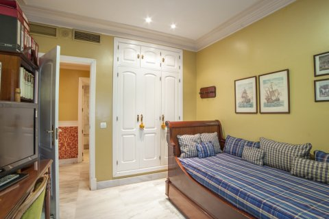 Apartment for sale in Sevilla, Seville, Spain, 3 bedrooms, 193.00m2, No. 2430 – photo 17