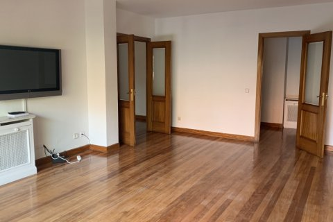 Apartment for rent in Madrid, Spain, 5 bedrooms, 279.00m2, No. 1462 – photo 1