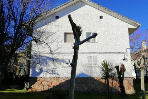 Apartment for sale in Guadarrama, Madrid, Spain, 3 bedrooms, 75.00m2, No. 2434 – photo 3