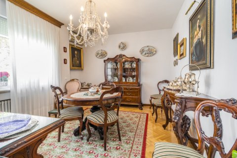 Apartment for sale in Madrid, Spain, 5 bedrooms, 181.00m2, No. 2706 – photo 10