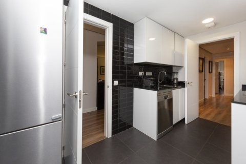 Apartment for sale in Madrid, Spain, 3 bedrooms, 177.00m2, No. 2163 – photo 7