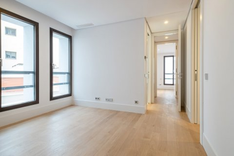 Apartment for sale in Madrid, Spain, 2 bedrooms, 157.00m2, No. 2070 – photo 23