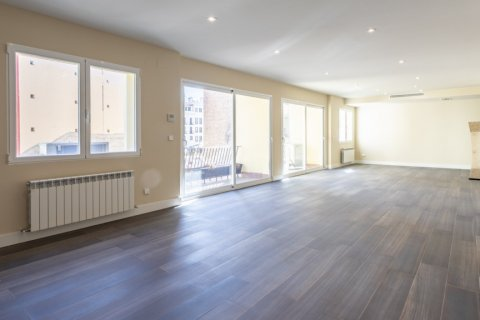 Apartment for sale in Madrid, Spain, 4 bedrooms, 290.00m2, No. 2043 – photo 7
