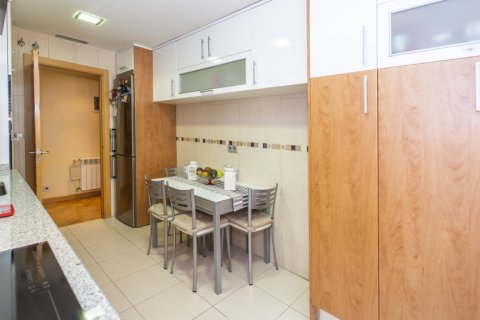 Apartment for sale in Madrid, Spain, 4 bedrooms, 122.51m2, No. 2192 – photo 30