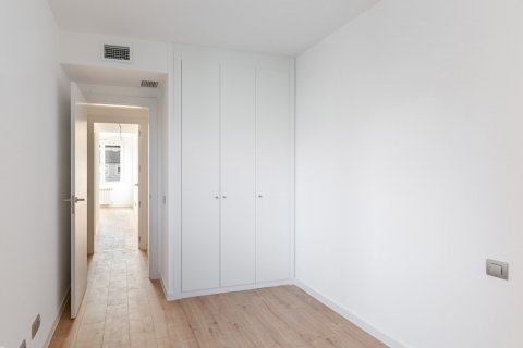 Apartment for rent in Madrid, Spain, 3 bedrooms, 104.00m2, No. 2164 – photo 15