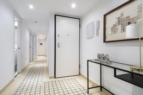 Apartment for sale in Malaga, Spain, 4 bedrooms, 113.00m2, No. 2321 – photo 6