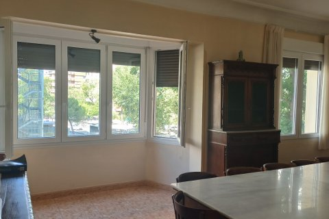 Apartment for rent in Madrid, Spain, 12 bedrooms, 400.00m2, No. 2350 – photo 30