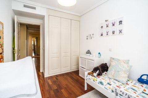 Apartment for sale in Madrid, Spain, 3 bedrooms, 132.00m2, No. 1694 – photo 26