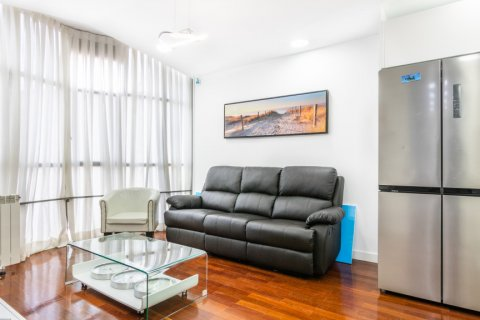 Apartment for sale in Madrid, Spain, 3 bedrooms, 100.00m2, No. 2540 – photo 2