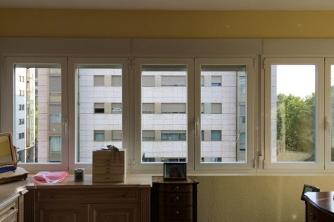 Apartment for rent in Madrid, Spain, 4 bedrooms, 256.00m2, No. 1568 – photo 8
