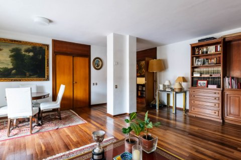 Duplex for sale in Madrid, Spain, 4 bedrooms, 298.00m2, No. 2518 – photo 8