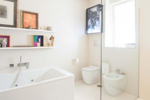 Apartment for sale in Madrid, Spain, 4 bedrooms, 345.00m2, No. 1663 – photo 28