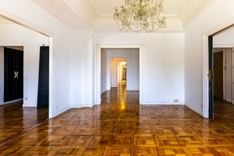 Apartment for sale in Madrid, Spain, 6 bedrooms, 500.00m2, No. 2408 – photo 4