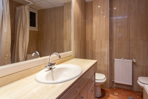 Apartment for sale in Madrid, Spain, 4 bedrooms, 196.00m2, No. 2199 – photo 14