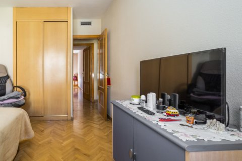 Apartment for sale in Madrid, Spain, 3 bedrooms, 102.43m2, No. 2471 – photo 28
