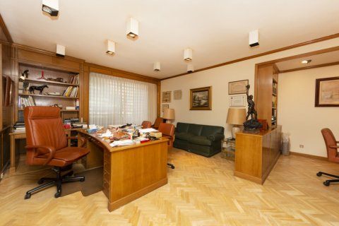 Apartment for sale in Madrid, Spain, 4 bedrooms, 206.00m2, No. 2284 – photo 2