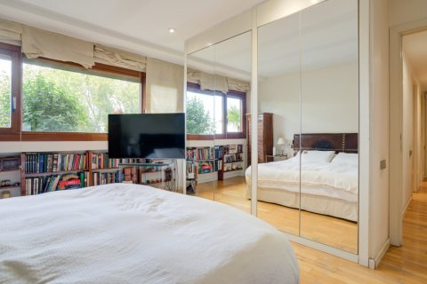 Duplex for sale in Madrid, Spain, 3 bedrooms, 160.00m2, No. 2326 – photo 24