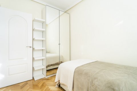 Apartment for sale in Madrid, Spain, 2 bedrooms, 80.00m2, No. 2516 – photo 22