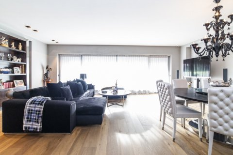 Apartment for sale in Madrid, Spain, 3 bedrooms, 322.00m2, No. 2564 – photo 1