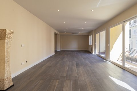Apartment for sale in Madrid, Spain, 4 bedrooms, 290.00m2, No. 2043 – photo 4
