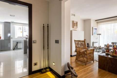 Apartment for sale in Madrid, Spain, 5 bedrooms, 201.00m2, No. 2311 – photo 18
