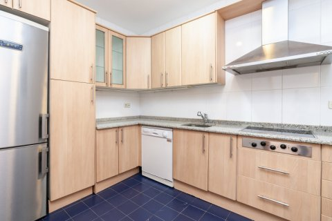Apartment for rent in Madrid, Spain, 2 bedrooms, 120.00m2, No. 1464 – photo 8