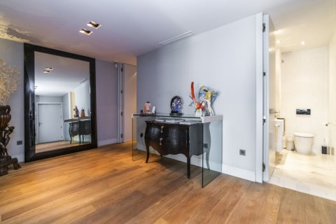 Apartment for sale in Madrid, Spain, 3 bedrooms, 322.00m2, No. 2564 – photo 10