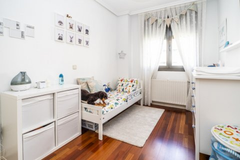 Apartment for sale in Madrid, Spain, 3 bedrooms, 132.00m2, No. 1694 – photo 24