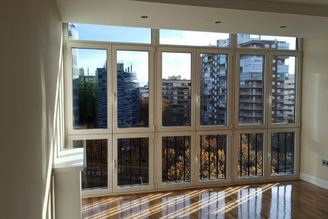 Apartment for rent in Madrid, Spain, 5 bedrooms, 275.00m2, No. 1988 – photo 22