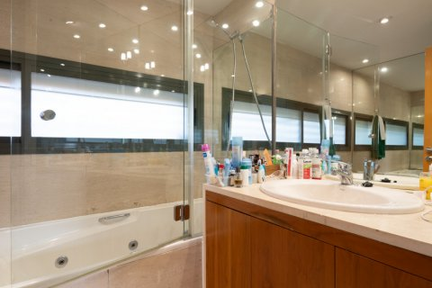 Duplex for sale in Madrid, Spain, 3 bedrooms, 160.00m2, No. 2326 – photo 25