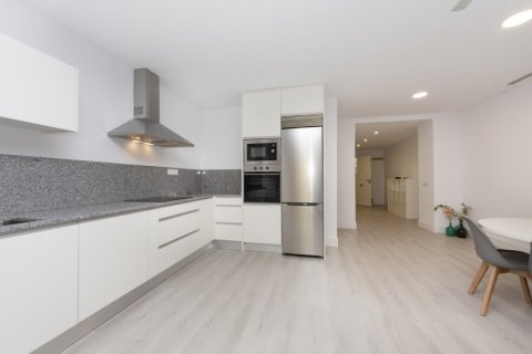 Apartment for sale in Madrid, Spain, 4 bedrooms, 218.00m2, No. 2124 – photo 18
