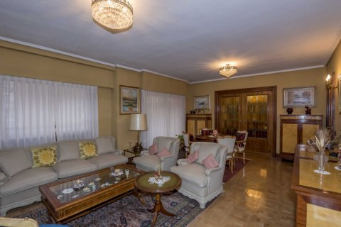 Apartment for sale in Madrid, Spain, 6 bedrooms, 216.00m2, No. 2002 – photo 6