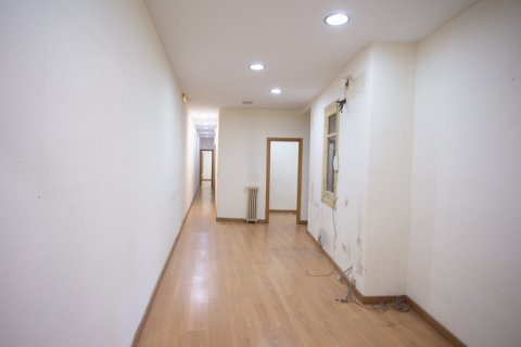 Apartment for sale in Madrid, Spain, 3 bedrooms, 120.00m2, No. 2439 – photo 8