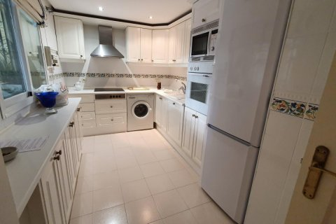 Apartment for rent in Marbella, Malaga, Spain, 2 bedrooms, 190.00m2, No. 2653 – photo 9