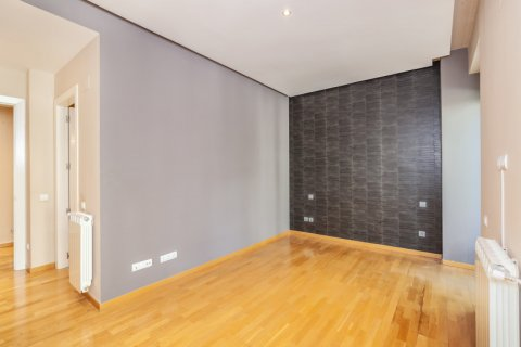 Apartment for rent in Madrid, Spain, 4 bedrooms, 190.00m2, No. 1474 – photo 28