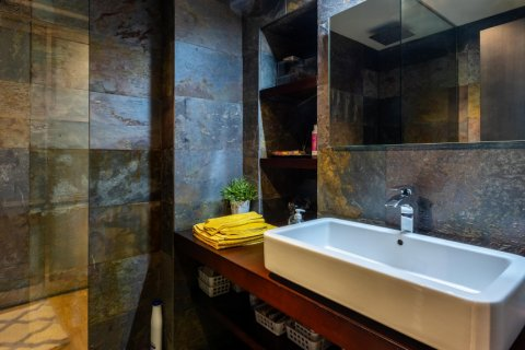 Apartment for sale in Madrid, Spain, 5 bedrooms, 201.00m2, No. 2311 – photo 30