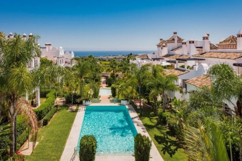 Apartment for rent in Marbella, Malaga, Spain, 2 bedrooms, 100.00m2, No. 2054 – photo 2
