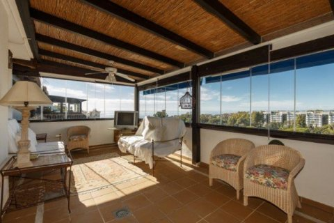 Penthouse for rent in Nueva Andalucia, Malaga, Spain, 5 bedrooms, 450.00m2, No. 1518 – photo 1
