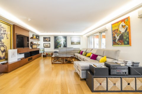 Apartment for sale in Alcobendas, Madrid, Spain, 5 bedrooms, 474.00m2, No. 2566 – photo 2