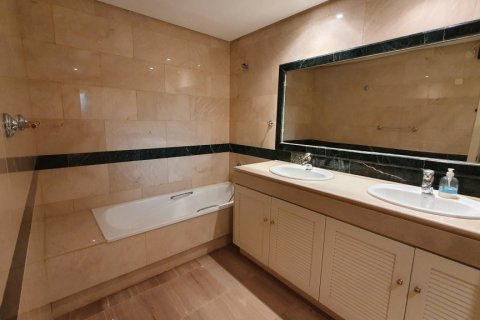 Apartment for rent in Marbella, Malaga, Spain, 2 bedrooms, 190.00m2, No. 2653 – photo 10