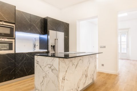 Apartment for sale in Madrid, Spain, 3 bedrooms, 139.00m2, No. 2700 – photo 1