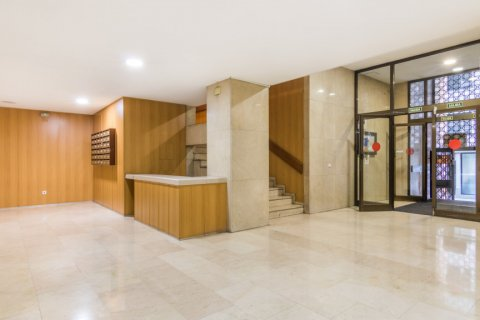 Apartment for sale in Madrid, Spain, 2 bedrooms, 60.00m2, No. 2374 – photo 28