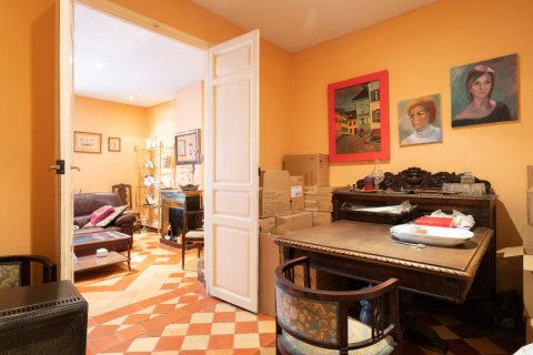 Apartment for sale in Madrid, Spain, 6 bedrooms, 219.00m2, No. 2357 – photo 11