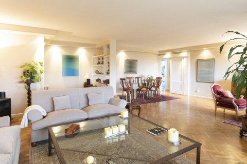 Apartment for sale in Madrid, Spain, 3 bedrooms, 227.00m2, No. 1943 – photo 9