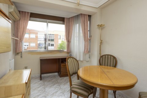 Apartment for sale in Madrid, Spain, 5 bedrooms, 114.00m2, No. 2670 – photo 26