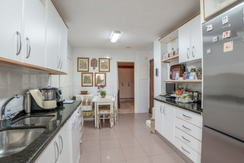 Apartment for sale in Sevilla, Seville, Spain, 3 bedrooms, 193.00m2, No. 2430 – photo 20